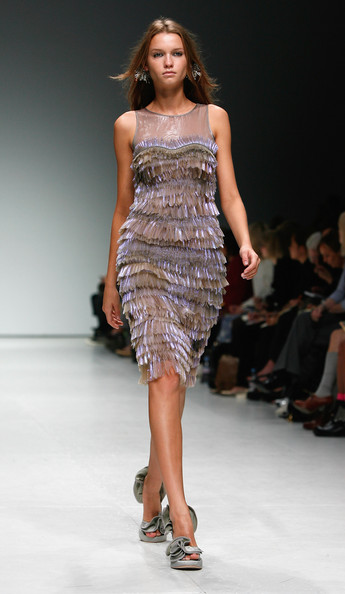 london-fashion-week-spring-summer-2009-emma-cook-sequin-dress