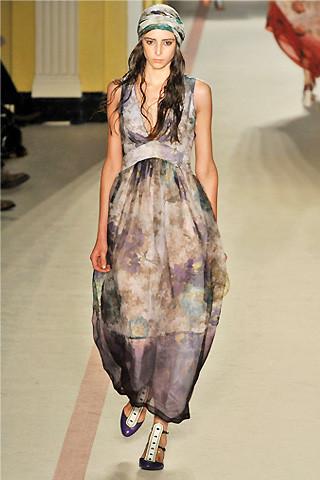 london-fashion-week-spring-summer-2009-paul-smith-cloud-dress1