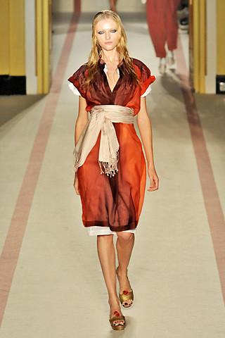 london-fashion-week-spring-summer-2009-paul-smith-red-dress