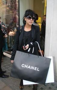 lily-allen-chanel-handbags
